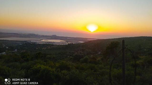ערב טוב ישראל וסוף שבוע רגוע עם השקיעה בהרי הכרמל
