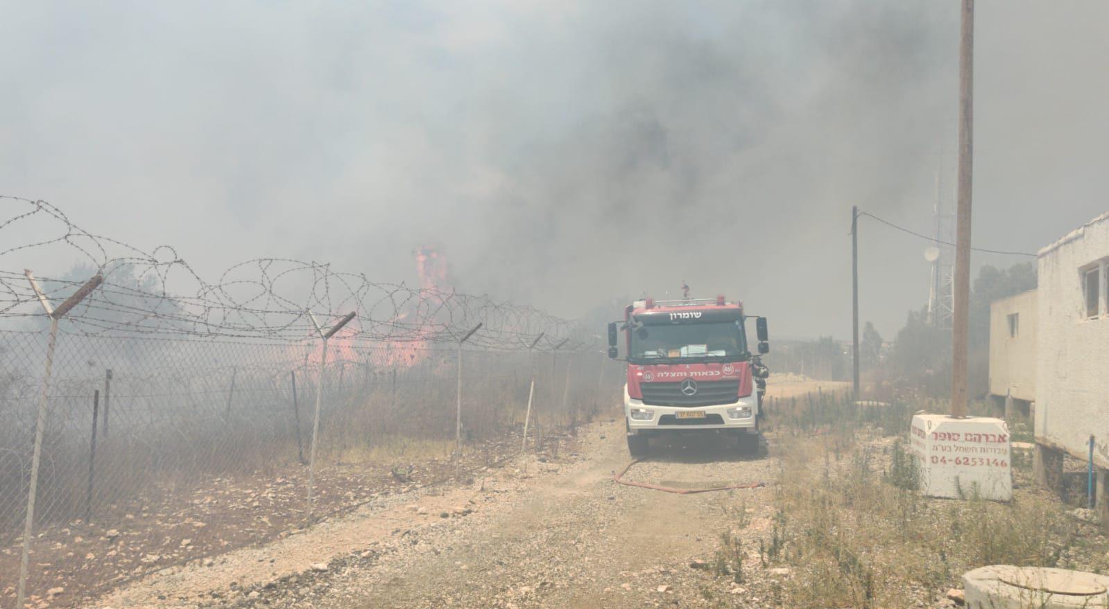 שוב חשד להצתה: שריפה משתוללת ביישוב חרמש