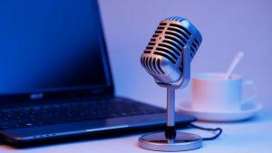 להיות שדרן רדיו באינטרנט