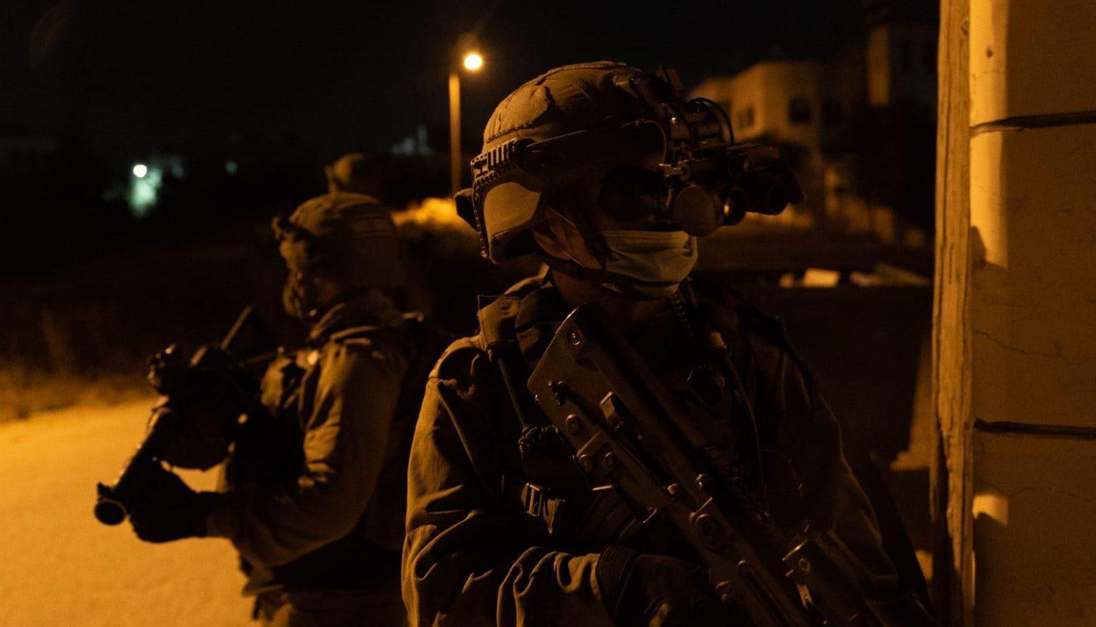 המצוד נמשך: כוחותינו ממשיכים במרדף אחר המחבלים מפיגוע האבנים בבנימין
