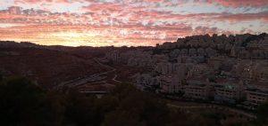 יופיה של ירושלים: השקיעה בשכונת הר חומה