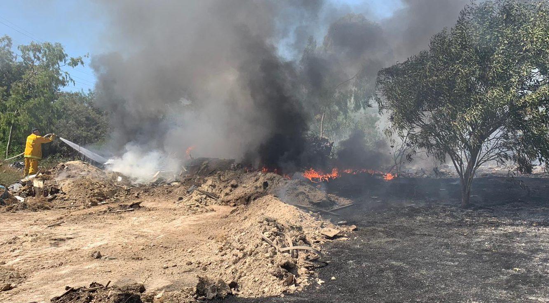 כוחות כיבוי ממשיכים לפעול בשריפה בקריית ביאליק – צפויות שעות בערה רבות