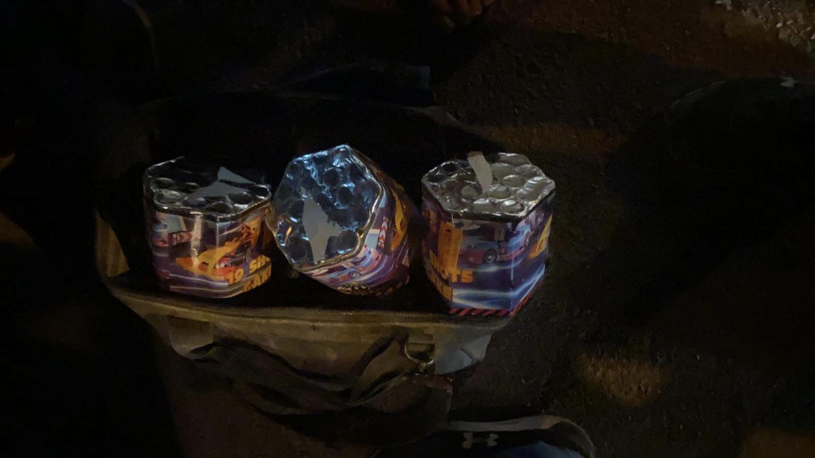 שני ערבים נעצרו כשברכבם אותרו עשרות כוורות זיקוקין