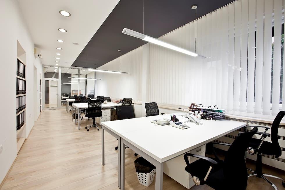 עובדים בנוח: 4 סוגי כסאות נוחים למשרד