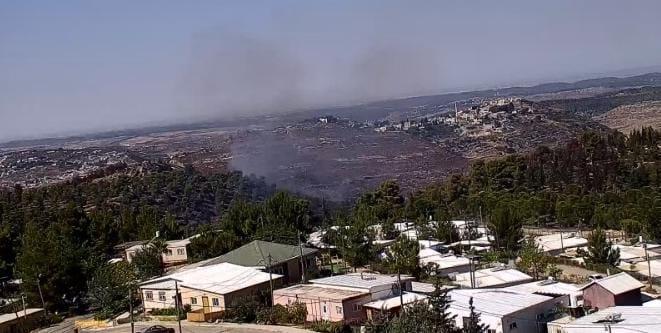 חשד להצתה: שלושה מוקדי שריפה סביב היישוב גבעות בגוש עציון